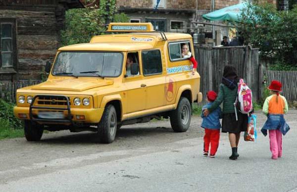 Microbuze scolare vechi si insuficiente in Valcea