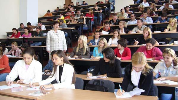 80% din absolventii de facultati activeaza in alte domenii