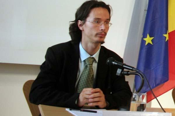 Magistratul Bogdan Mateescu invins in lupta cu Cristi Danilet