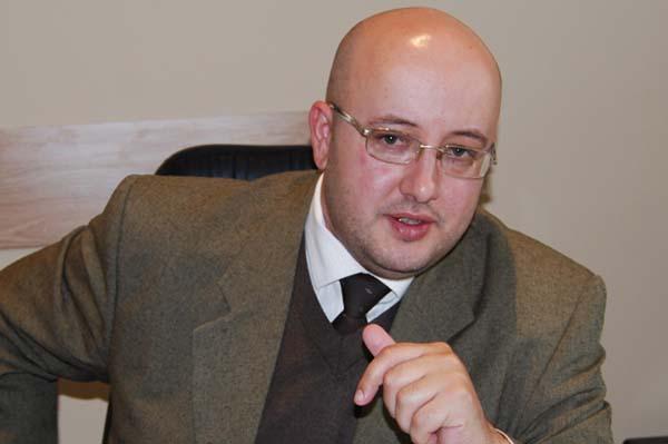 Deputatul Radulescu cere desant USL de la Bucuresti