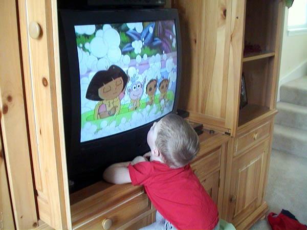 Televiziunea are efect traumatizant asupra copiilor