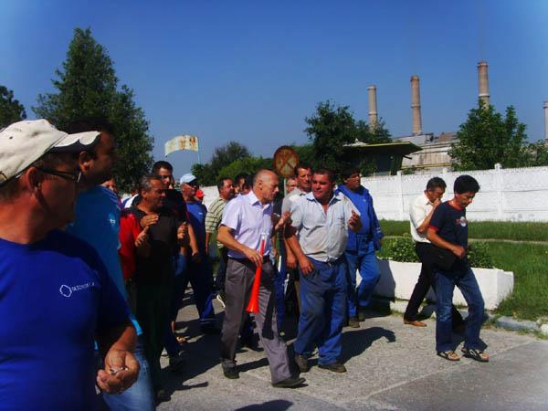 Vosganian vine la Oltchim sa faca pace cu mitingistii