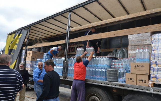 CEZ Distribuţie donează 14 tone de apă minerală îmbuteliată pentru sinistraţii din judeţul Galaţi