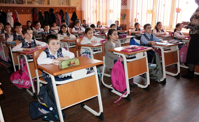 Elevii şi profesorii din Capitală vor învăţa într-un simulator ce să facă în caz de cutremur