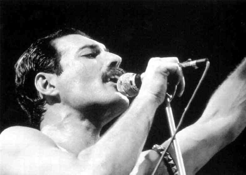 24 noiembrie 1991 – S-a stins din viata Freddie Mercury.
