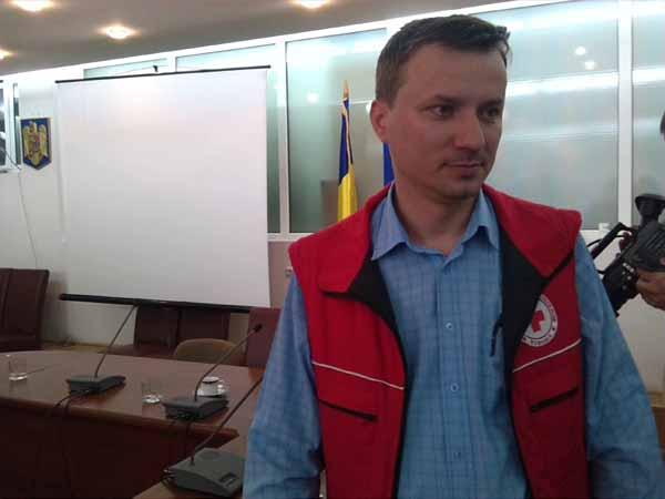 Cucea Roşie Vâlcea a ajutat 2 familii sărace!