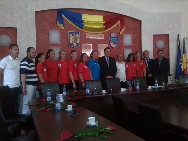 Pentru că trebuie să se justifice în faţa Consiliului Local, Gigi Matei a demis-o pe Simona Gogârlă