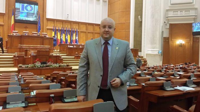 Rădulescu Constantin remite comunicate în care mimează niște întâlniri. Informații pentru promovare, zero!