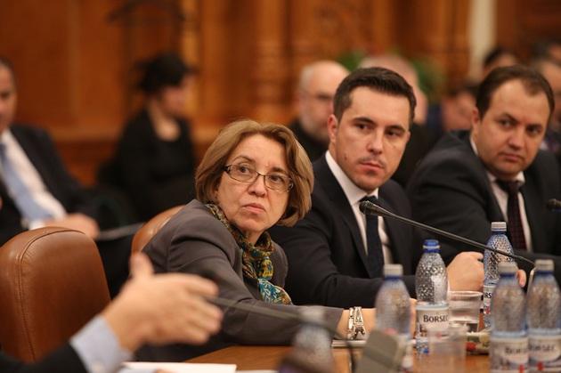 Candidata pentru functia de ministrul Finantelor, Cristina Guseth, este audiata de Comisia juridica, de disciplina si imunitati, la Palatul Parlamentului, luni, 16 noiembrie 2015. SILVIA ILIE / MEDIAFAX FOTO