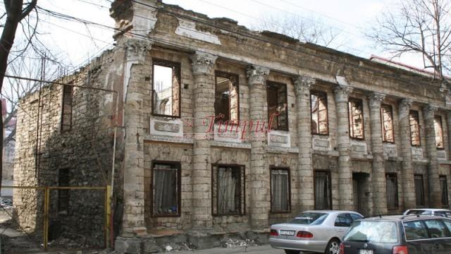În Râmnicu Vâlcea, clădirile şi terenurile neîngrijite vor fi supraimpozitate până la 500%