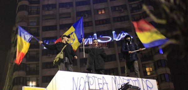 Protestele din România inspiră opoziţia şi societatea civilă din Balcani