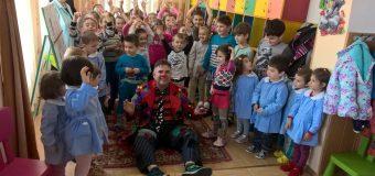 Consilierii lui Gutău continuă recensământul copiilor la Gradiniţa nr. 7 Nord