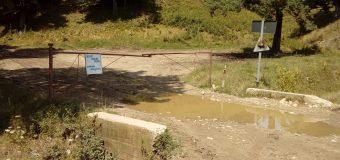 FOTO Lacătul pe groapa de la Măldărești. Sub conducerea pesedistului Rădulescu, județul se îngroapă în gunoi!