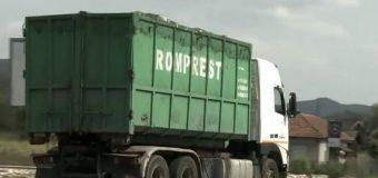 Afacerea gunoiului plimbat cale de sute de kilometri a ajuns să pută şi la UE
