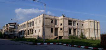 Primarul Chelcea din Berbești își vinde terenul prin Consiliul Local