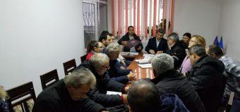VIDEO Frații Concioiu din Gușoeni se folosesc de numele prefectului Florian Marin…