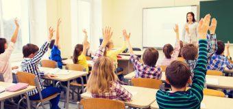 Atenție părinți când programați concediile. Școala nu va mai începe pe 15 septembrie!