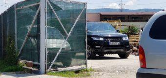FOTO Deputatul Eugen Neață, client fidel la rezervorul cu motorină al lui Dan Ploscă!?!?