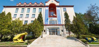 Tinerii din Republica Moldova, interesați de Universitatea Petroșani care s-a acreditat anul acesta și pentru Horezu