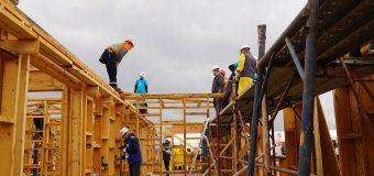 Se caută 150 voluntari care să construiască 10 locuințe în 5 zile, pentru VAIDEENI