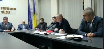 Prefectul Tiberiu Costea a solicitat să se organizeze de urgență vânători pentru împușcarea mistreților…